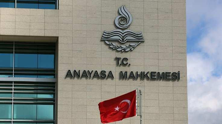 AYM, vekillere para cezası verilmesine dair maddeyi iptal etti