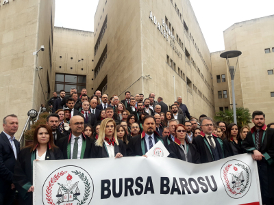 AYM'nin Ayşe öğretmen kararına Bursa Barosu'ndan destek