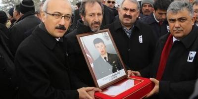 Bakan Elvan'dan 'yakılan asker' açıklaması: Detaylı bilgim yok