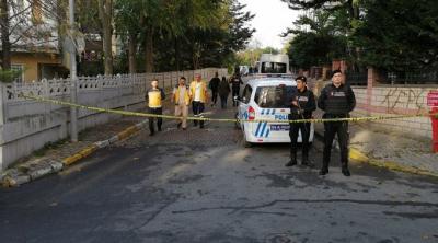 Bakırköy'de bir evde 1'i çocuk 3 kişinin cansız bedeni bulundu, çevrede siyanür kokusu!
