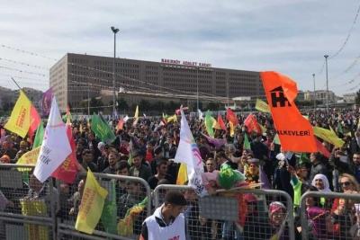 Bakırköy'deki Newroz alanına puşi ve Demirtaş atkısıyla girmek yasak