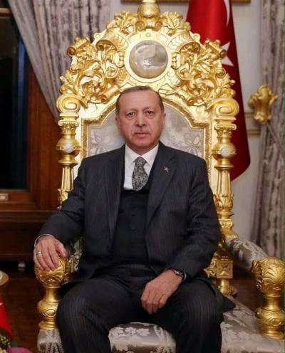 'Başkanlık sisteminde monarşi geleneği yok'