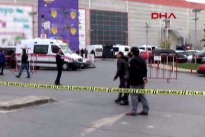 Bayrampaşa'daki AVM'de şüpheli araç paniği