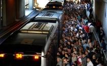 Boş metrobüse binen iki katı para ödeyecek!