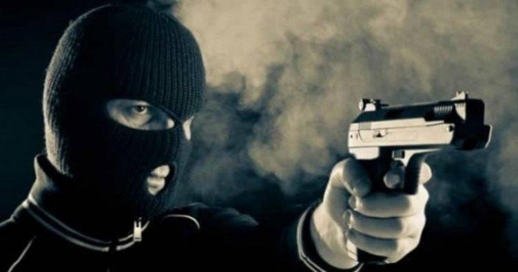 'Bugün yeni bir şey denemek istiyorum' dedi, silahla banka soyup tutuklandı
