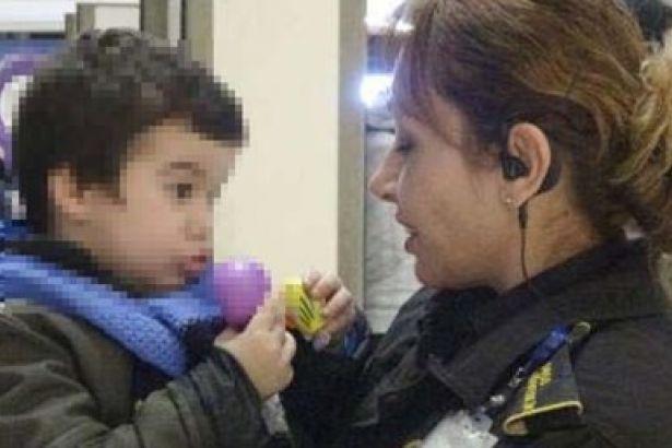 Bursa'da üç yaşında bir çocuk AVM'de terk edildi