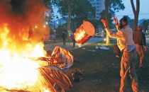 Çadırları yakan zabıtalara beraat!