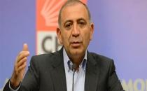 'Gençlerin Türkiye'ye dair umutları günden güne yok oluyor'