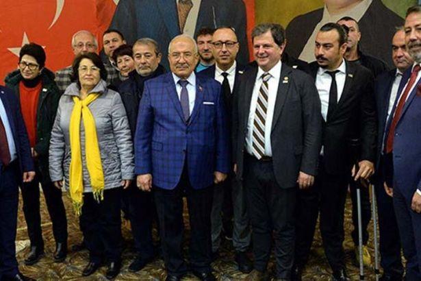 CHP'den istifa eden 276 kişi İYİ Parti'ye katıldı