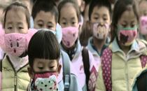 Hava kirliliği deneyi: 2 saat  egzozlu hava soluyorlar!