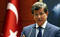 Davutoğlu: Kılıçdaroğlu tedaviye muhtaç patolojik bir vaka!