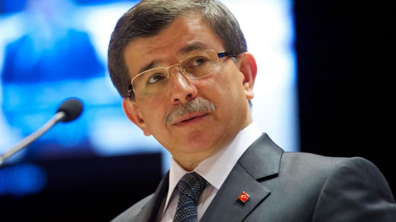 Davutoğlu'ndan kayyım tepkisi: Demokratik sisteme aykırı, teröre karşı mücadele milletin gönlüne girip seçim kazanmakla verilir