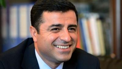 Demirtaş'ın Twitter paylaşımları nedeniyle cezaevinde arama yapıldı