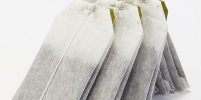 Demlenen poşet çaylar suya plastik sızdırıyor