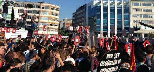 Direnişçilerden Kadıköy konseri!