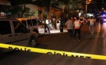 Diyarbakır'da askeri aracın geçisi sırasında patlama!