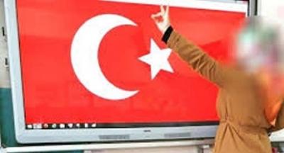 Diyarbakır'da sınıfta bozkurt işareti yapan öğretmen işten çıkarıldı