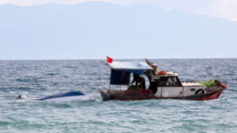 Ege'de sığınmacıları taşıyan tekne battı: 2'si çocuk 7 kişi yaşamını yitirdi