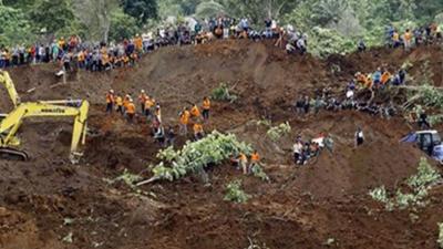 Endonezya'da sel: 12 ölü, 8  kayıp