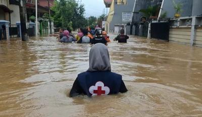 Endonezya'da sel: 15 ölü, 46 kayıp