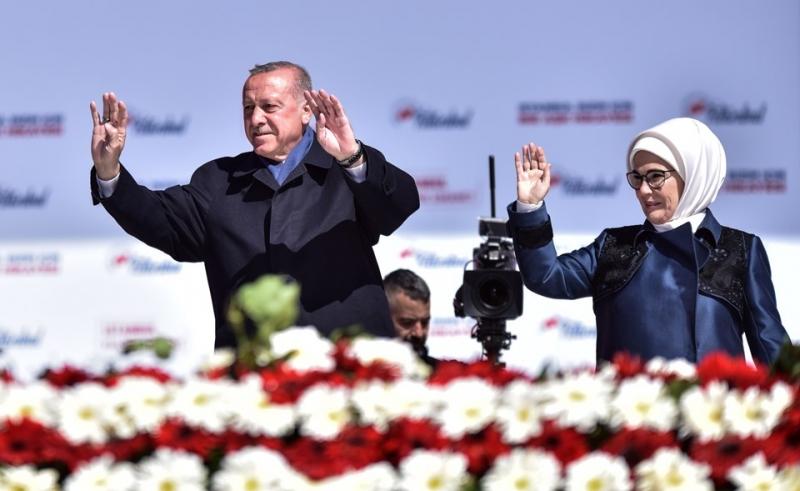 Erdoğan: Aldığım resmi rakama göre 1 milyon 600 bin kişi Yenikapı'da