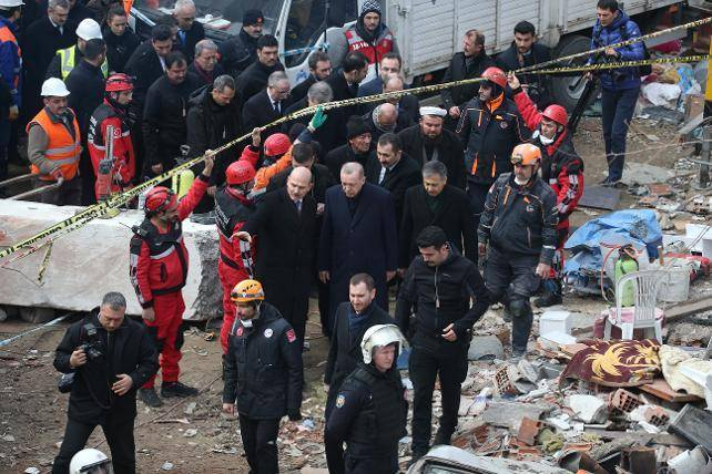 Erdoğan: Bu bina enkazının altında kalmak suretiyle şehadete ulaşanlara Allah'tan rahmet diliyorum