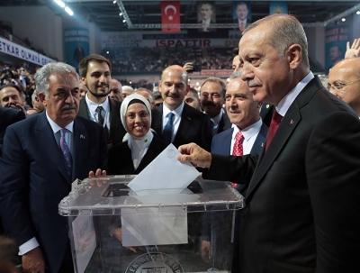 Erdoğan: Dünyayı sömürerek refah düzeni kuranlara boyun eğmeyeceğiz