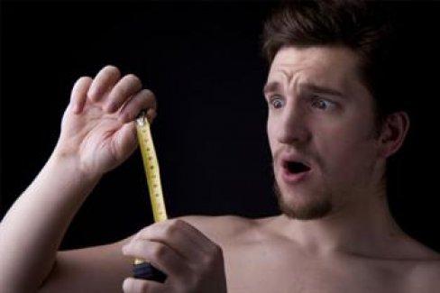 Erkeklerde neden penis evrimleşmişken testisler küçük kalmıştır?