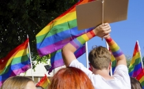 Eşcinseller ahlak yasasına tepki gösterdi!