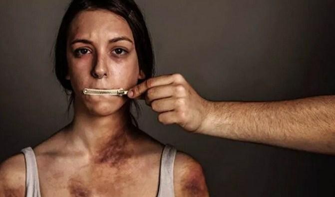 Esenyurt'ta kötü kokular gelen evde elleri bağlanmış kadın bulundu
