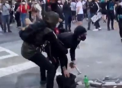 Eylemcilerin arasına eylemci görünümlü polisler sızdı