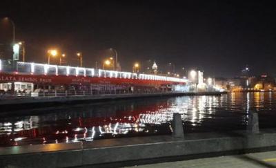 Fatih'te denize itildiği iddia edilen bir kişi boğularak hayatını kaybetti