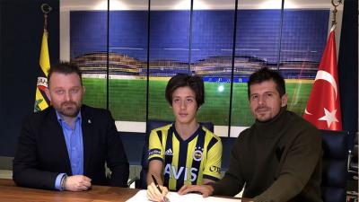 Fenerbahçe, 15 yaşındaki Arda Güler'le sözleşme imzaladı