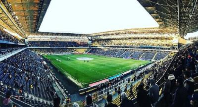Fenerbahçe Ülker maçında 'Her şey çok güzel olacak' sloganları