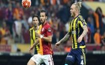 Fenerbahçe ve Galatasaray, '15 Temmuz'u unutmayacağız' pankartıyla sahaya çıktı