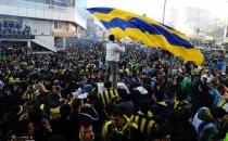 Fenerbahçeli taraftarlara saldırı!