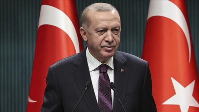 'Forward etmek, aksiyon almak gibi ne Türkçeye ne İngilizceye uyan tuhaf bir dil ortaya çıktı'