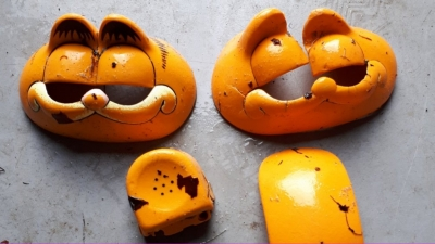 Fransa'da sahile vuran Garfield telefonların sırrı 37 yıl sonra çözüldü
