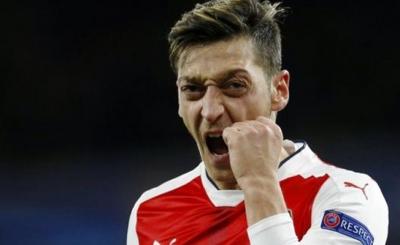 Futbolcu Özil'den olay sözler: Korkak köpek!