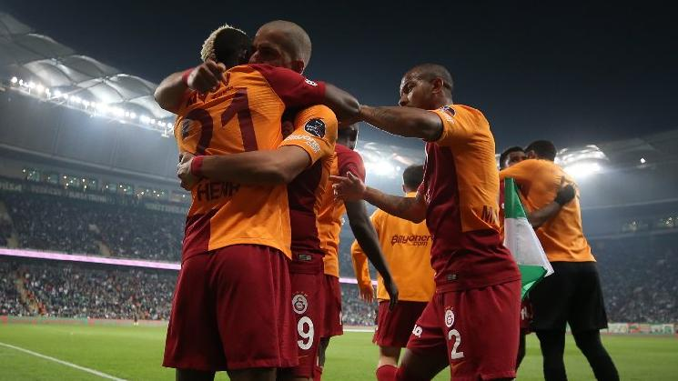 Galatasaray 2-0 yenik durumdan öne geçti