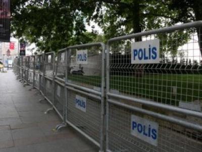 Gezi Parkı bariyerlerle kapatıldı