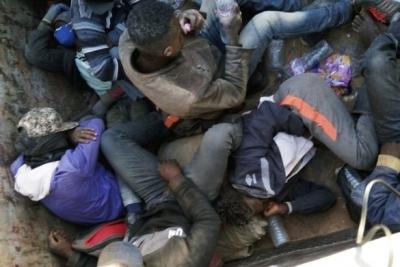 Göçmenler Sahra Çölü'nde ölüme terk edildi