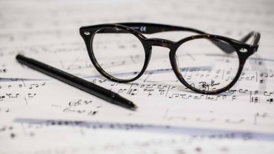 'Gözlük takmak korona riskini azaltıyor'