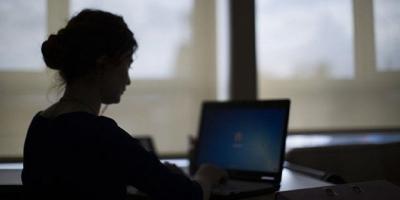 Güney Kore'de fazla çalışan memurun bilgisayarı kapatılacak