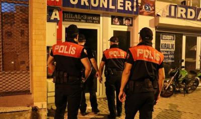 Günlük kiralık evlere polis baskını