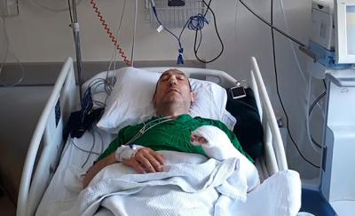'Gürültü' yüzünden tartıştığı komşularınca darbedilen profesör, hastanelik oldu