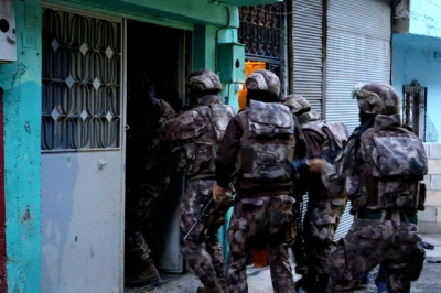Hacısüleymanoğulları'na İstanbul'da şafak baskını