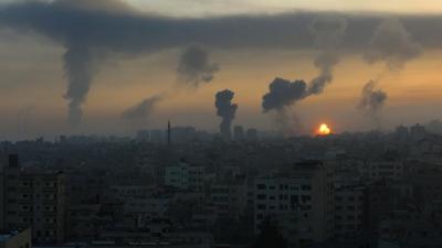 Hamas, İsrail'e 130 roket attı: 5 İsrailli hayatını kaybetti