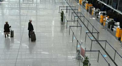 Havalimanında kadının bagajından eşinin kemikleri çıktı