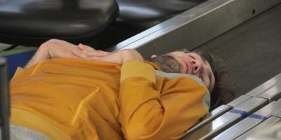 Havalimanında yaşayan basketbolcu akıl hastanesine kaldırıldı